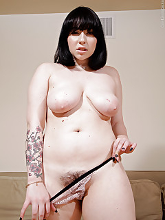 Saggy Tits Hairy Women Pics