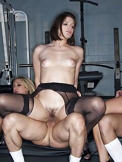 Hairy Women Group Sex Pics