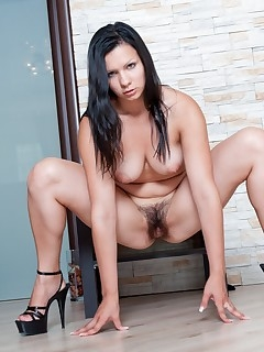 Hot Hairy Women Pics