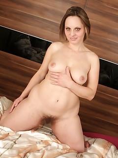 Hairy Mature Women Pics