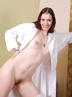 Hairy Women Strip Pics